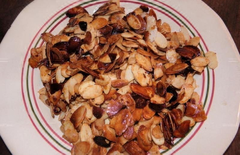 Amandes effilées, grillées et caramélisées
